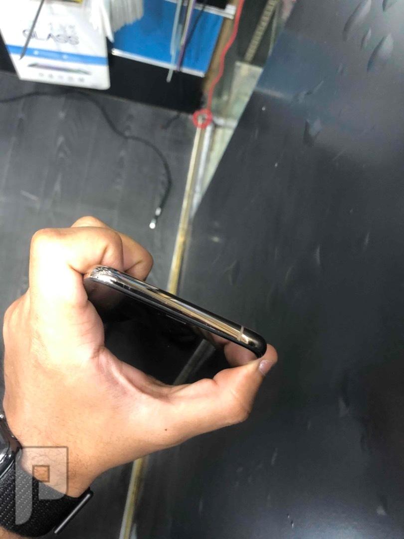 للبيع ايفون اكس اس ماكس ذهبي مستخدم نظيف