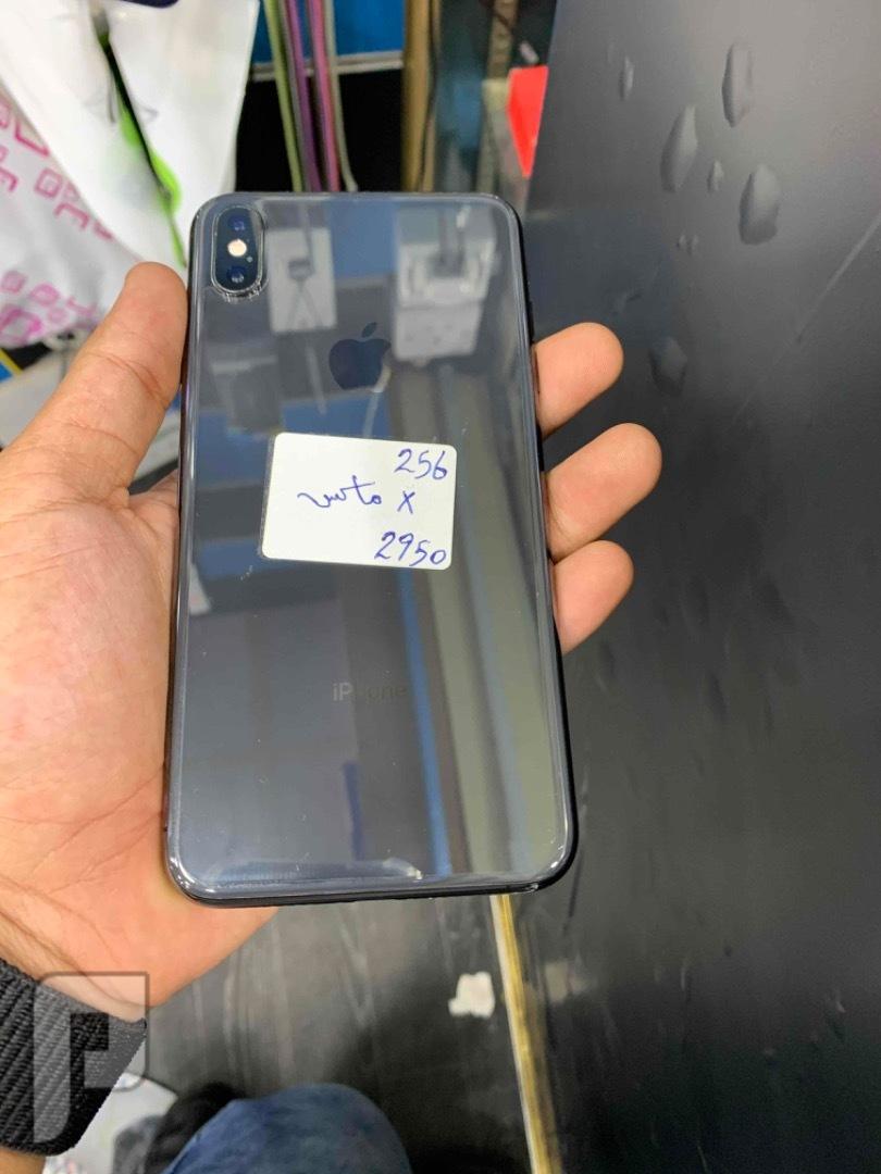 للبيع ايفون اكس اس ماكس 256 مستخدم نظيف