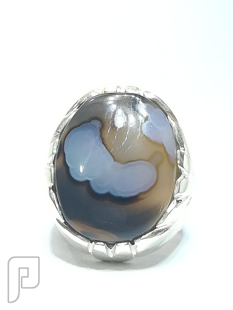 خاتم عقيق يماني طبيعي شفاف ومصور