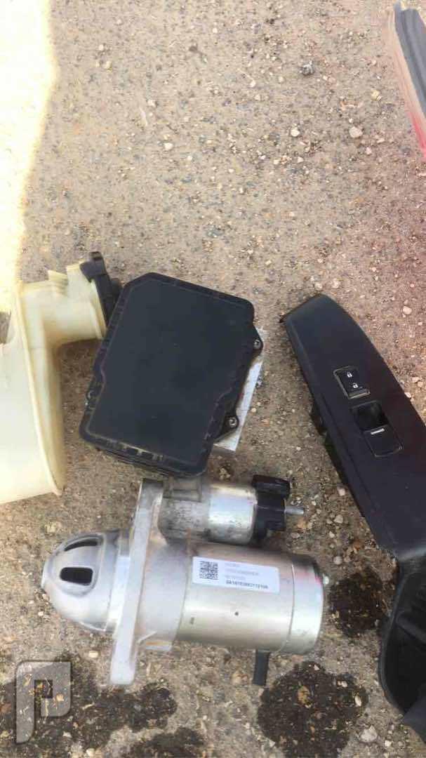 يوجد قطع غيار هوندا اكورد 2012 مستعمل وكاله بحاله جيده