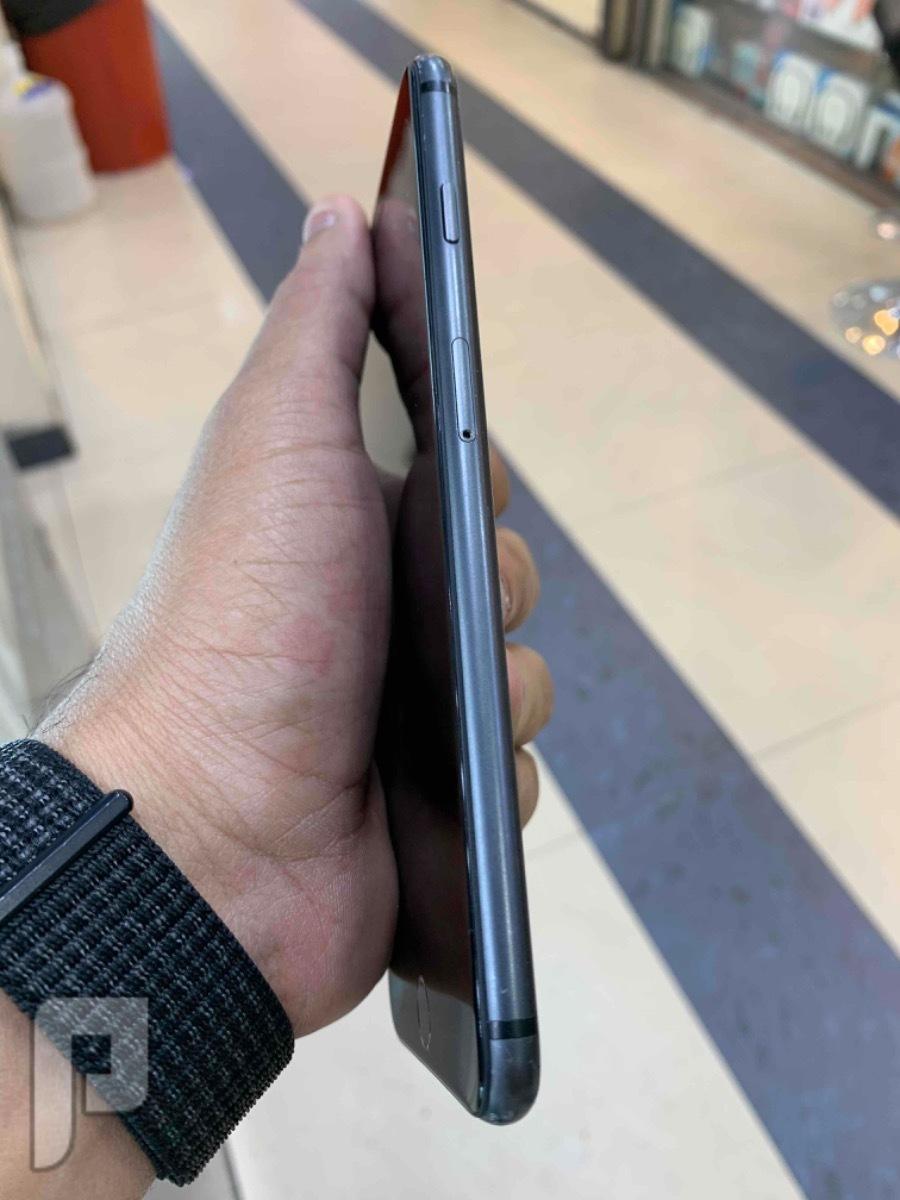 للبيع ايفون 8 بلس اسود مستخدم