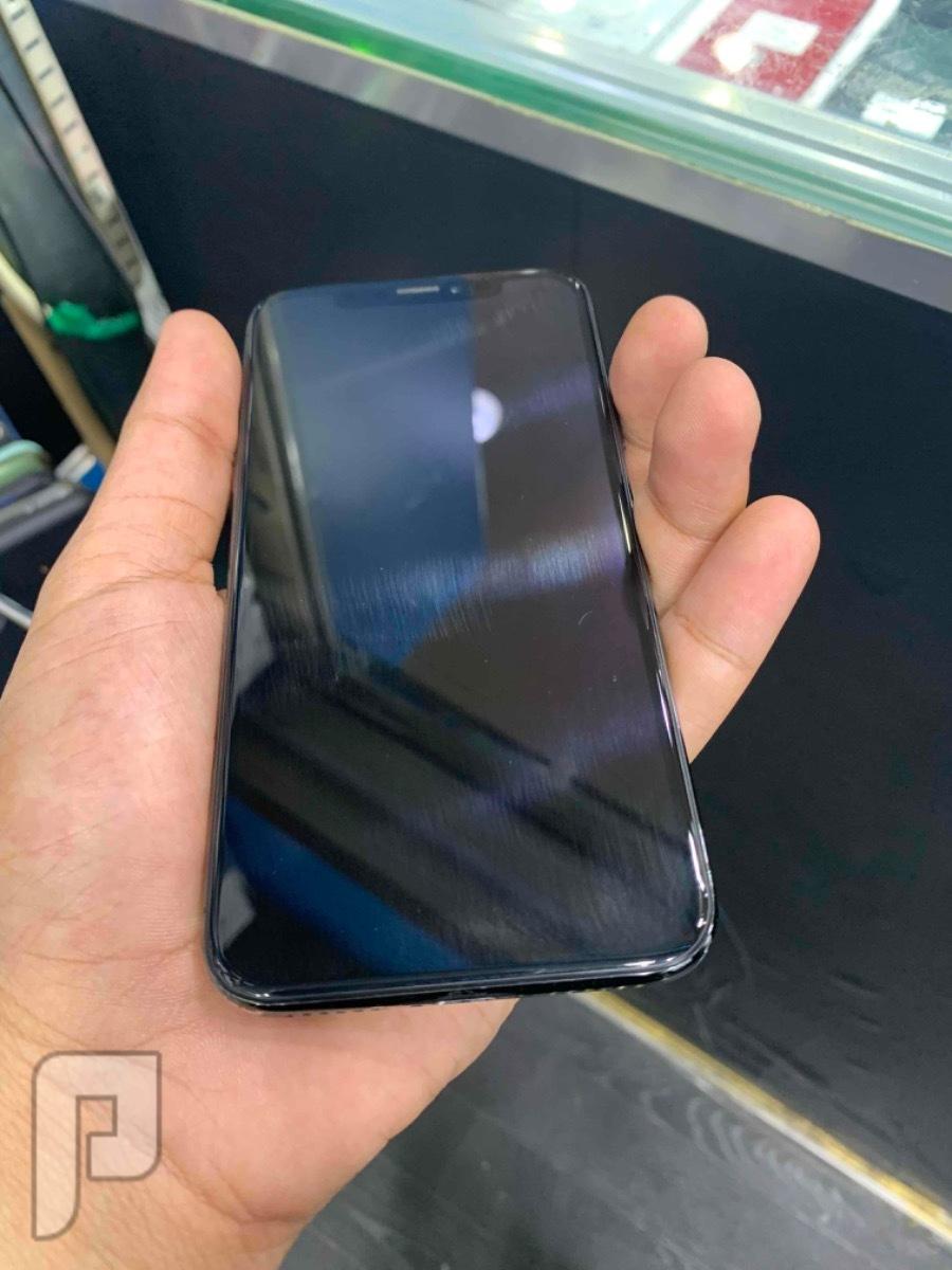 للبيع ايفون اكس اسود 64 مستخدم سعره مناسب