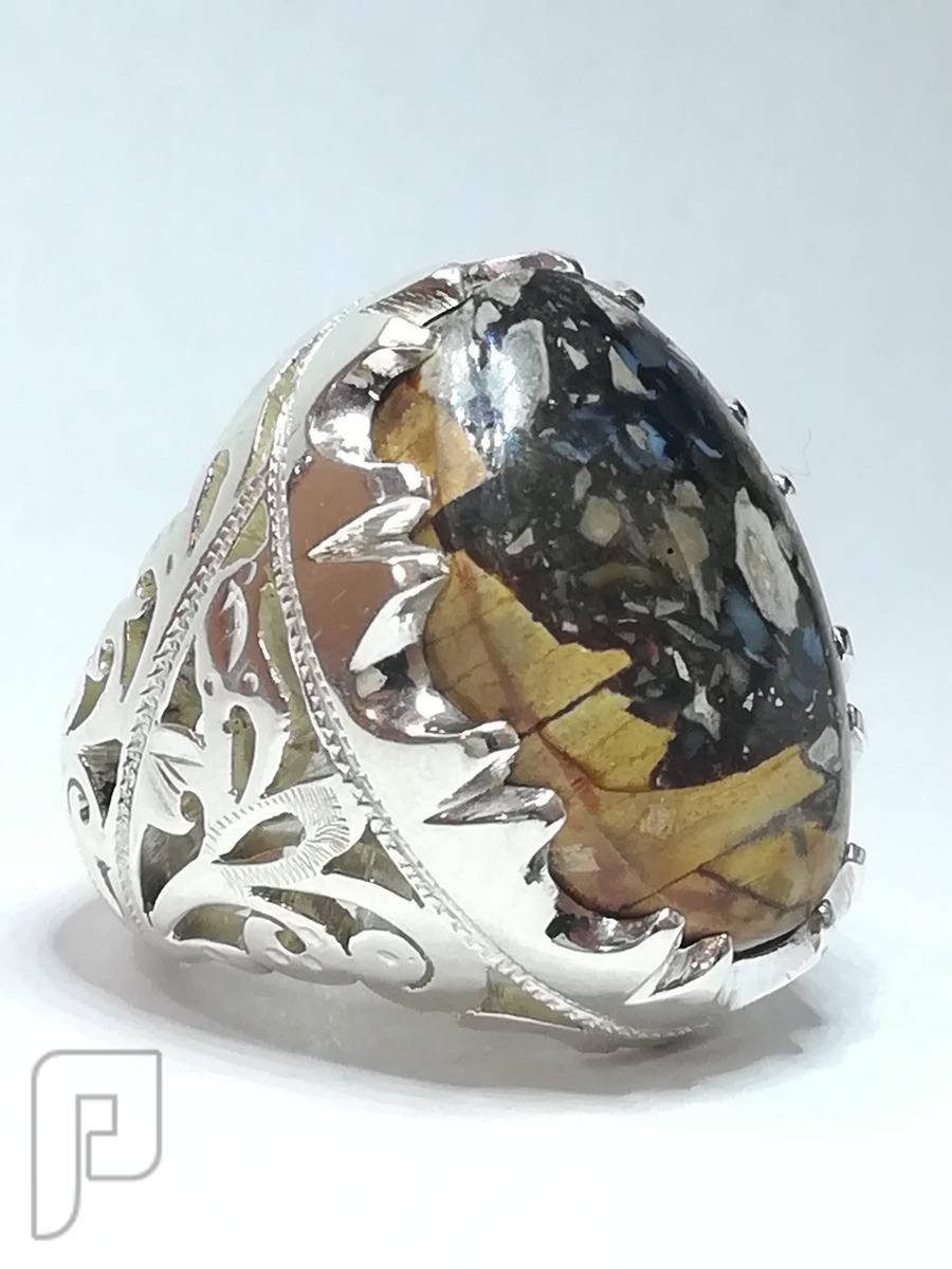 خاتم عقيق جزع خرايطي باكثر من لون طبيعي