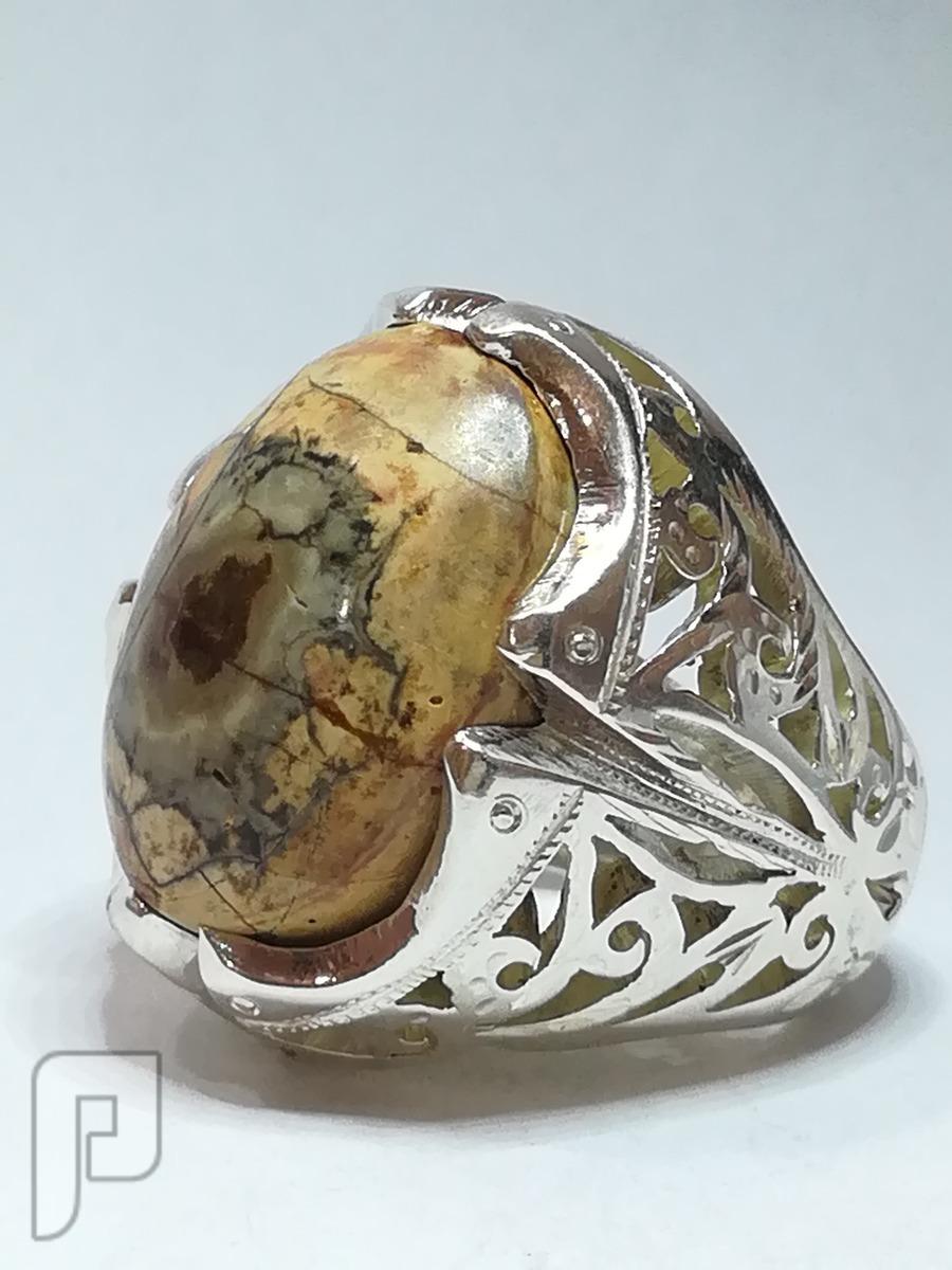 خاتم عقيق بقراني قديم قديم يماني وجميل