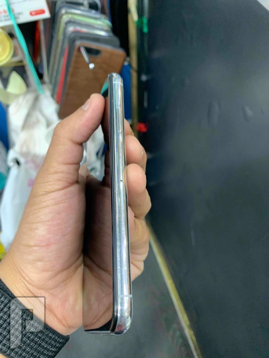 للبيع ايفون اكس 64 ابيض مستخدم نظيف