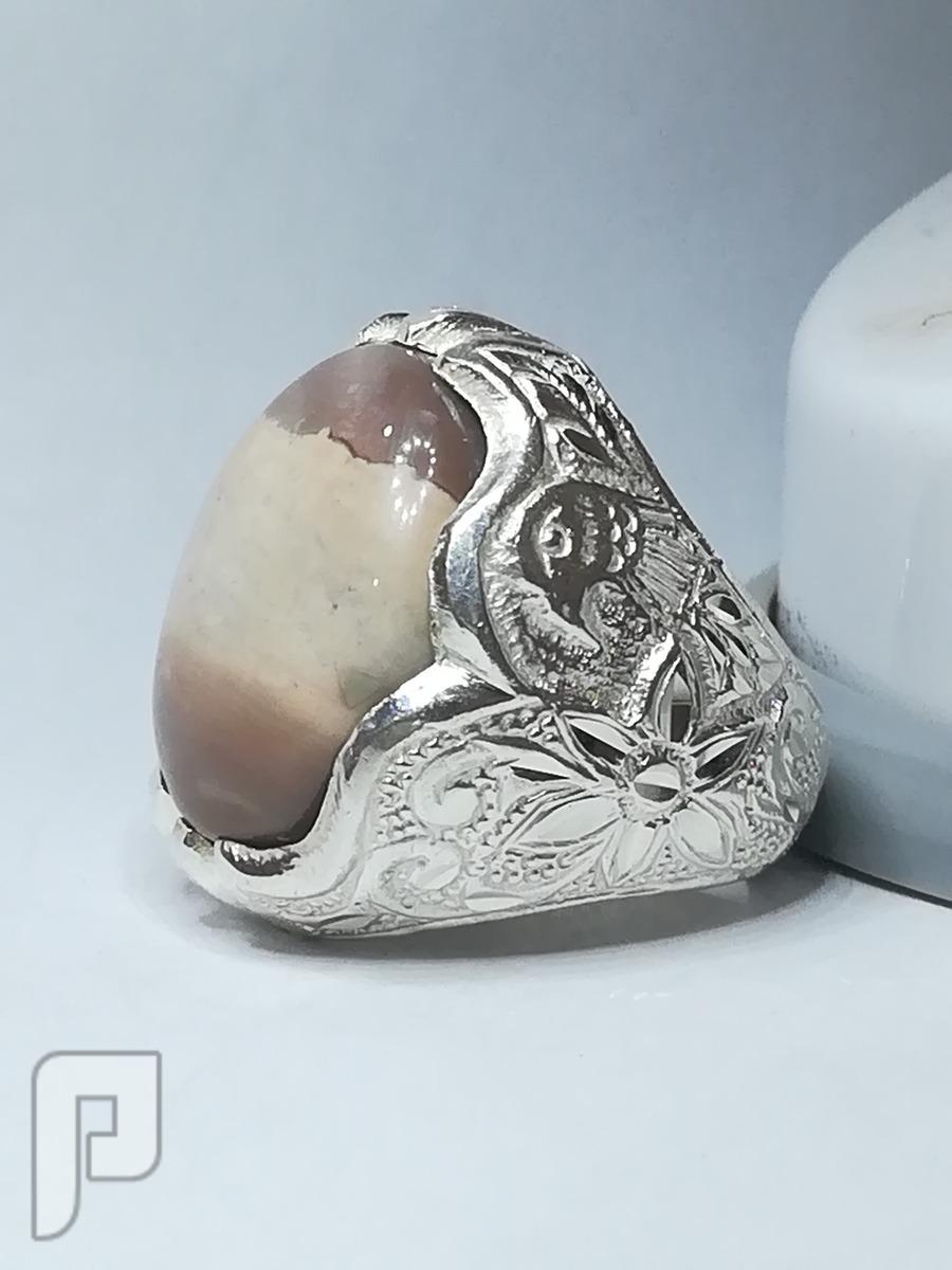 خاتم عقيق يماني طبيعي 3الوان ملكي