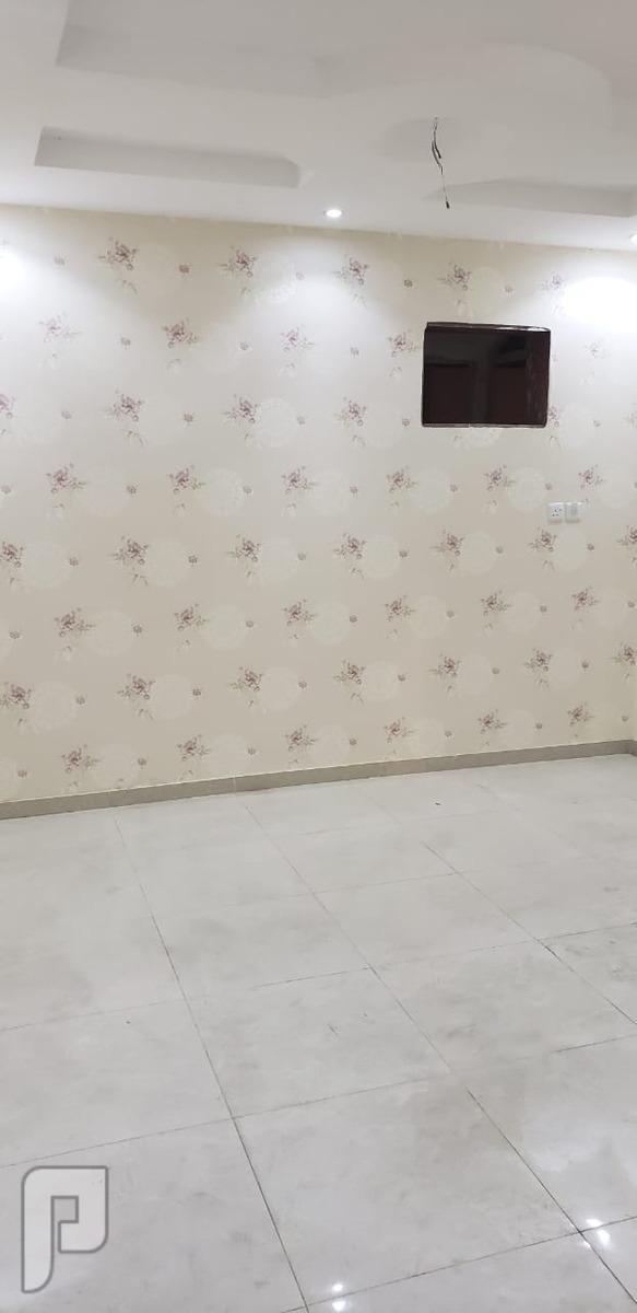 شقه 3 غرف للبيع و دورتين دورات مياه وصاله ومطبخ  مساحه 100 م