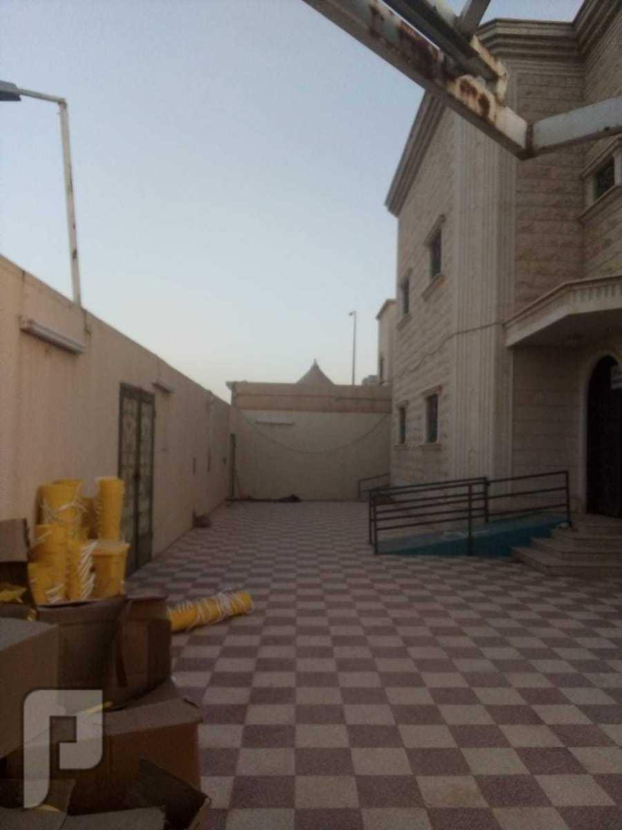 للبيع فيلا زاوية مساحة 625 م موقع ممتاز الرياض حي النفل