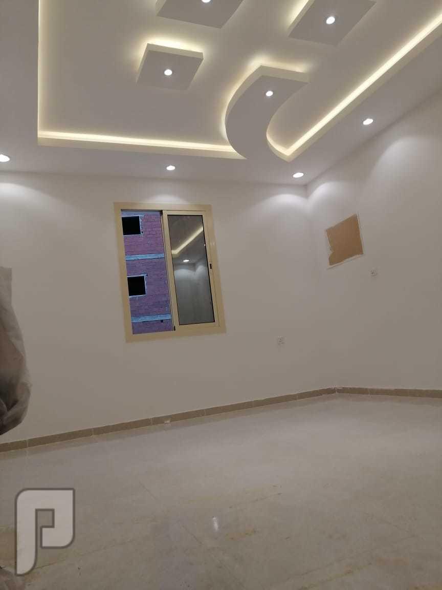 شقه 4 غرف اماميه للبيع في جده