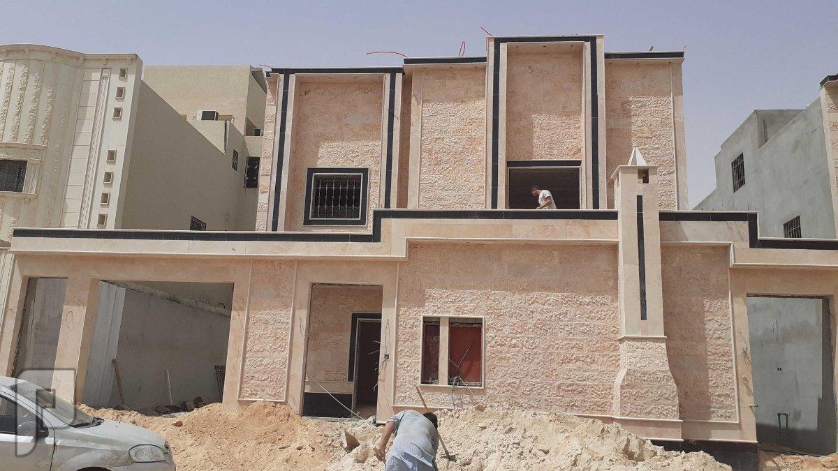 للبيع فيلا درج وشقتين بالعوالي حي طويق الرياض