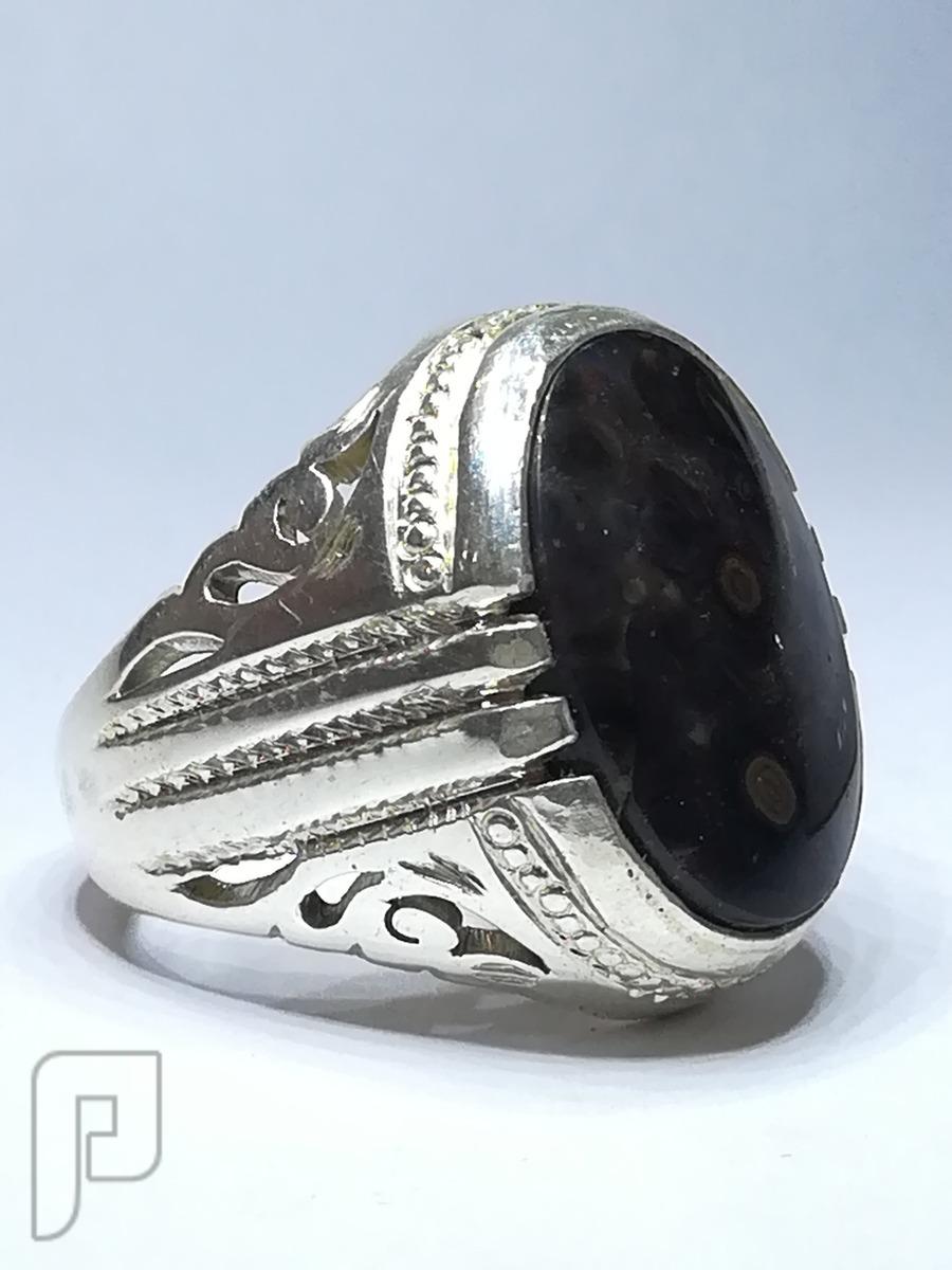 خاتمين عقيق يماني طبيعي جلد الافعى النادر