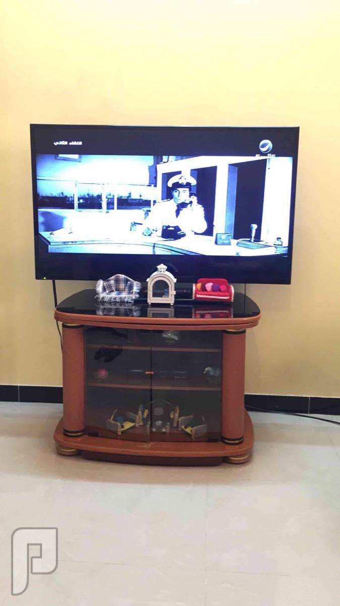 خزانة تلفزيون خشب بني