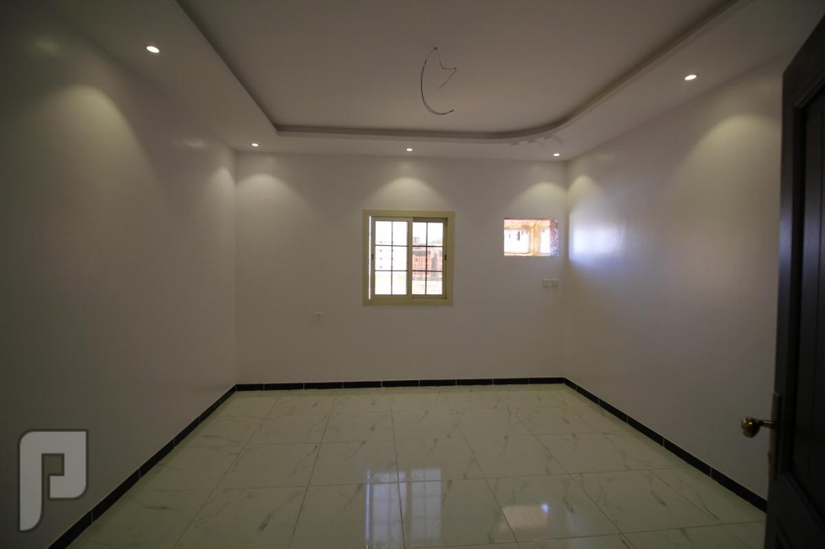 شقه 4 غرف للبيع