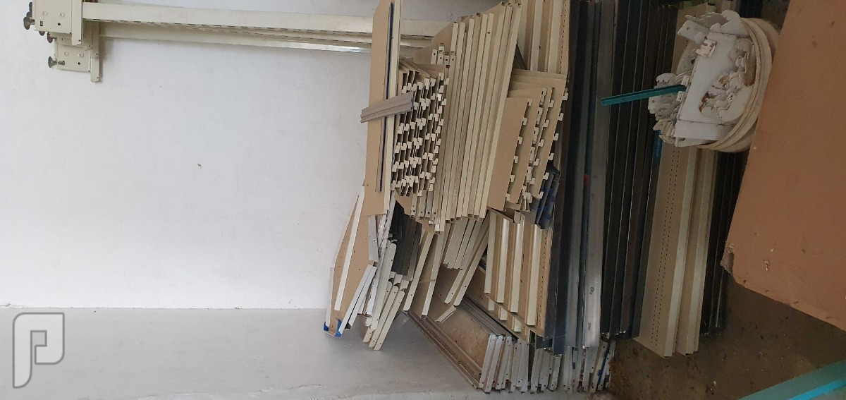 معدات مطاحن ومحامص واغراض محلات للبيع بابها