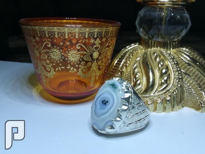 خاتم ملكي عقيق يماني فخم ومصور