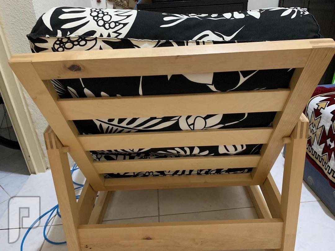 كرسي هزاز نظيف ومتاز كالجديد