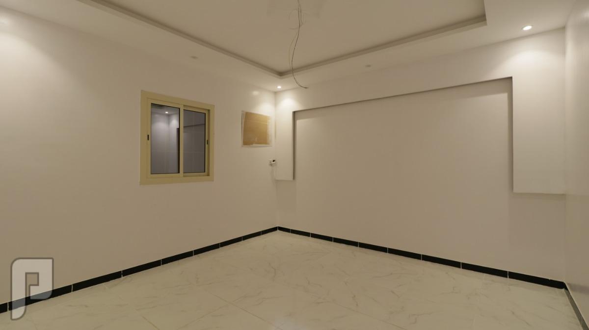 تملك روف ملحق 5غرف فاخره مع السطوح ب450الف ريال فقط بدون عموله
