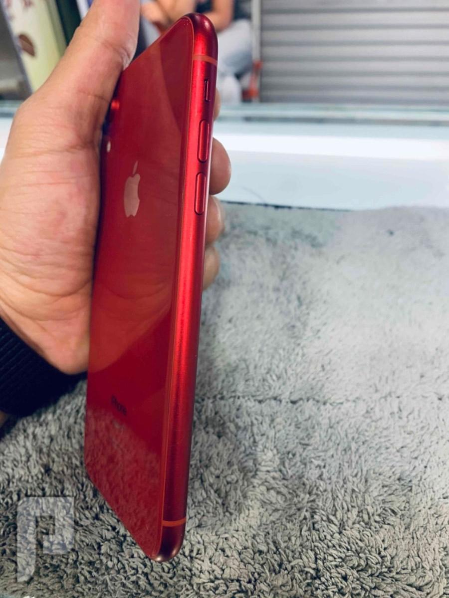 للبيع ايفون اكس ار احمر 256 نظيف