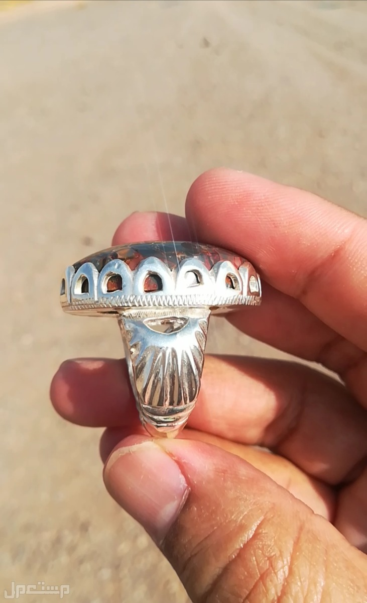 خاتم حجر يماني جزع راهي أنيق ونادر الألوان