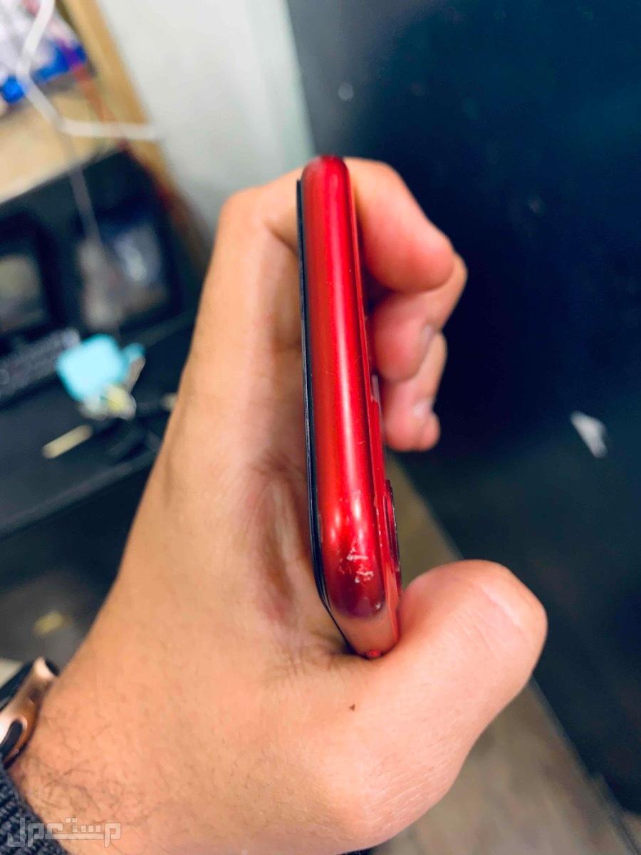للبيع ايفون 11 احمر 128 مستخدم