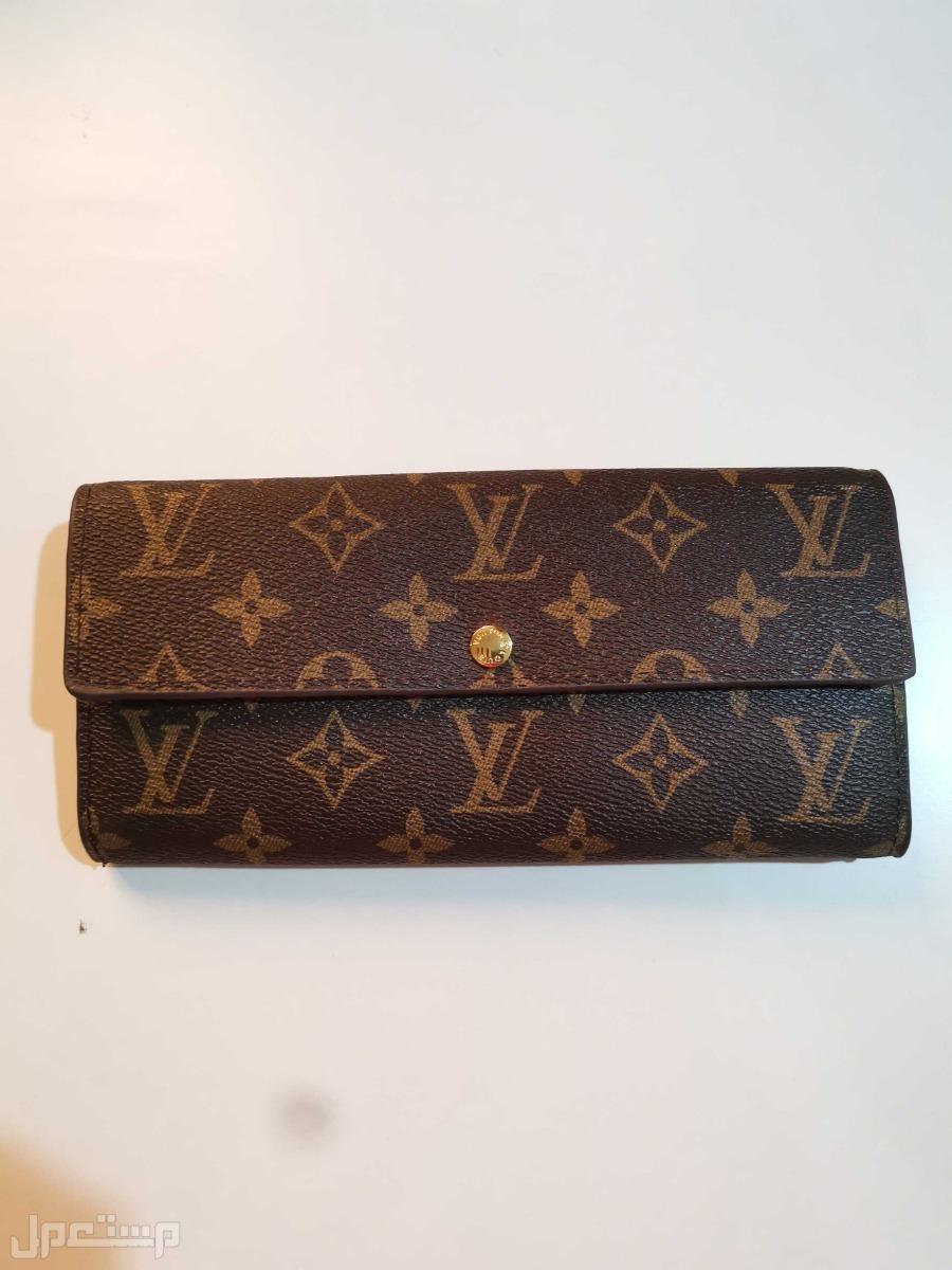 محفظة لوي فويتون