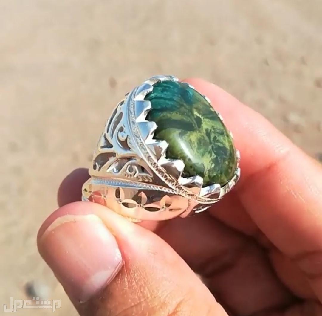 خاتم ملكي عقيق يماني فخامه اللون والصياغه