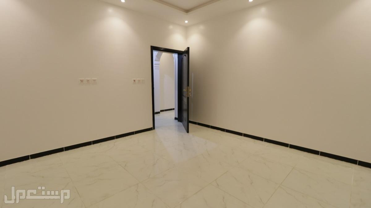 شقه 4 غرف كبيره للبيع