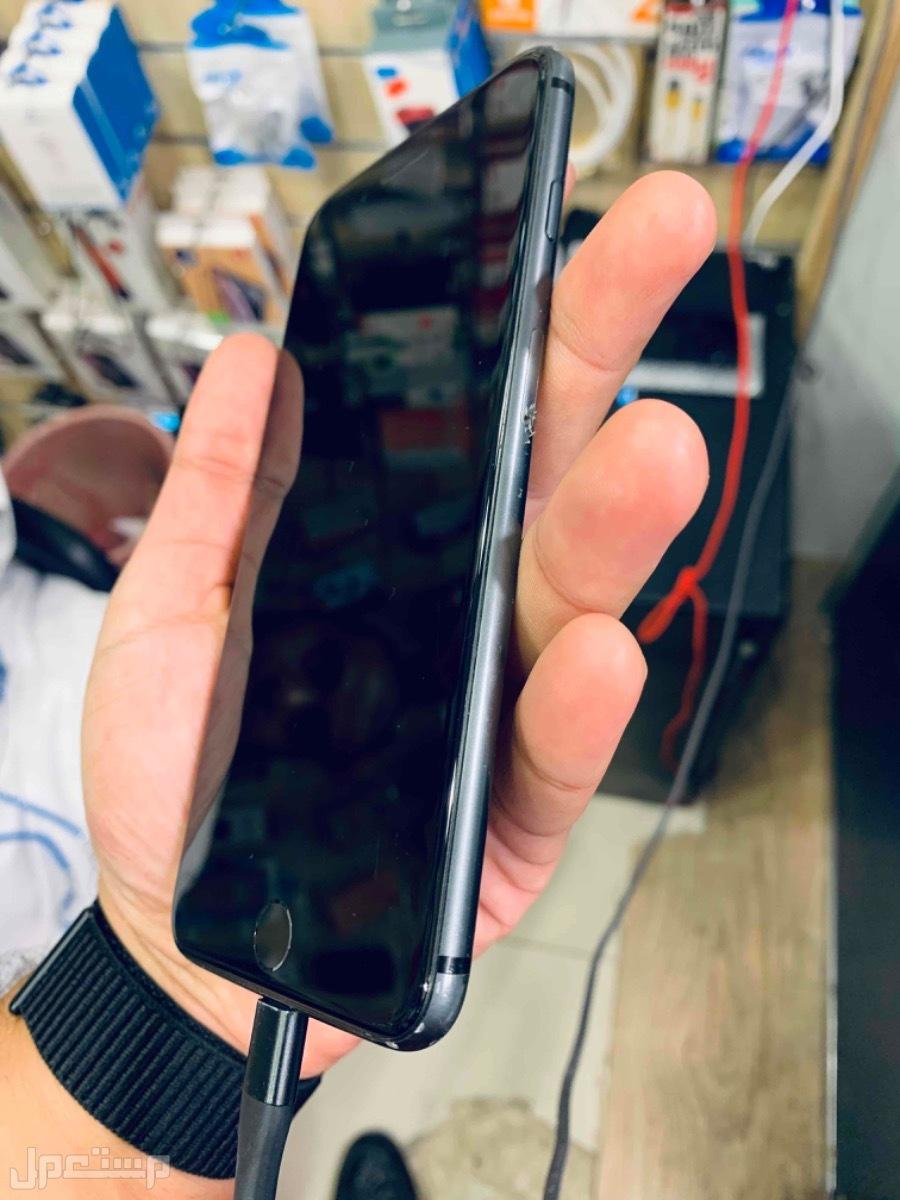 للبيع ايفون 8 بلس 64 مستخدم