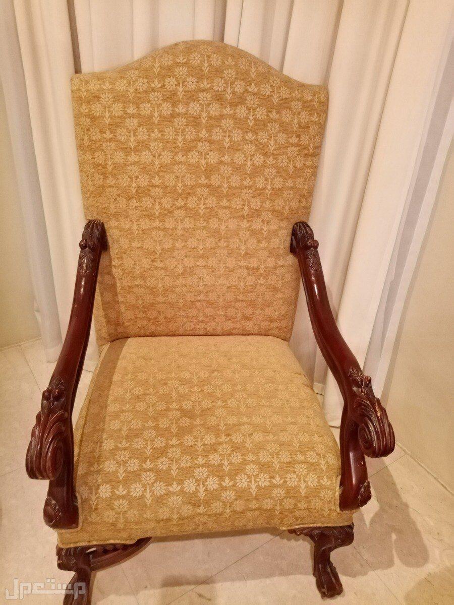 كرسي ملكي بحاله جيده جدا