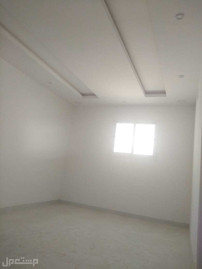 للبيع  فيلا دبلكس درج صالة مساحة 239م في حي  المهديه  السعر مليون