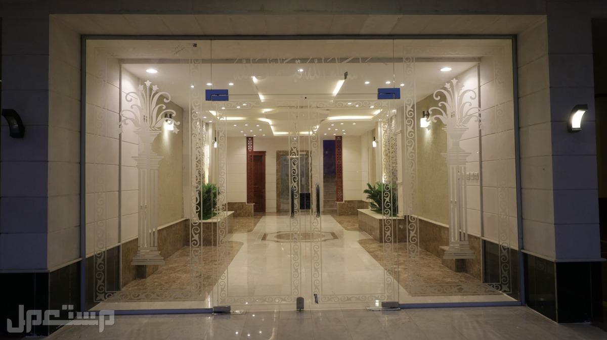 شقه للبيع 4غرف بتصميم فاخر ومساحه واسعه