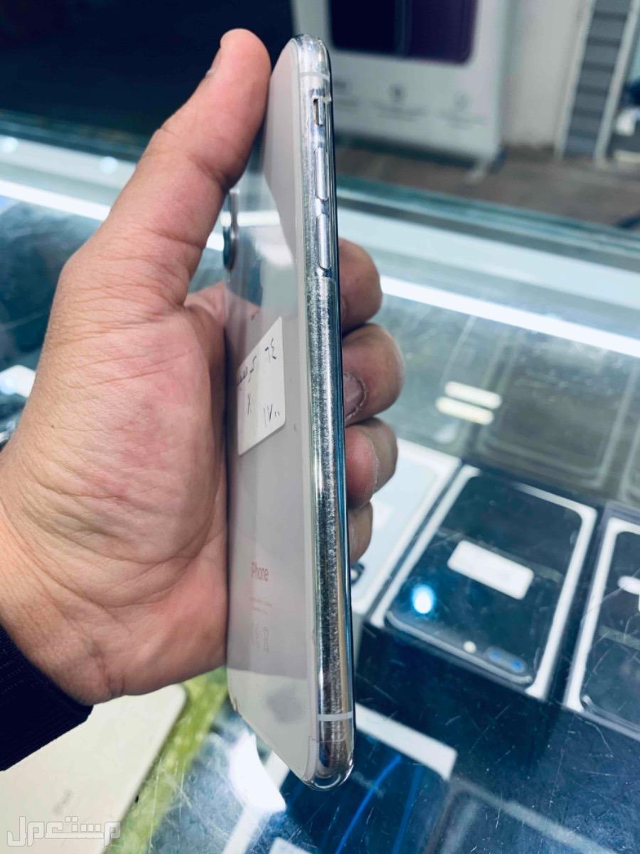 للبيع ايفون اكس 64 فيه كسر خفيف مستخدم