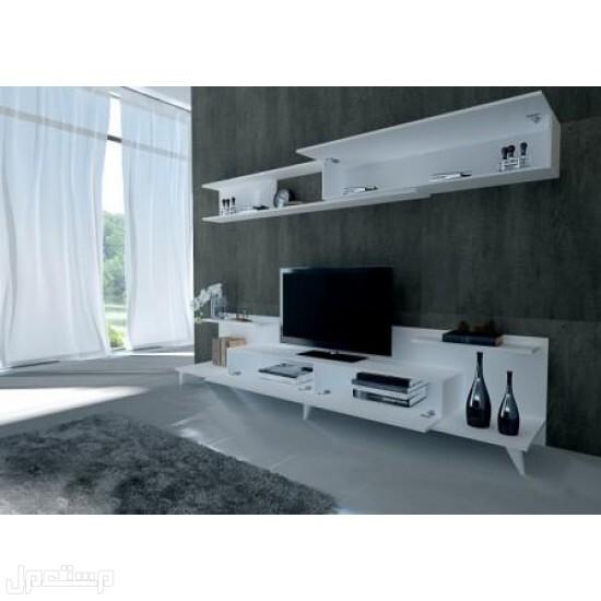 طاولة تلفزيون لون ابيض