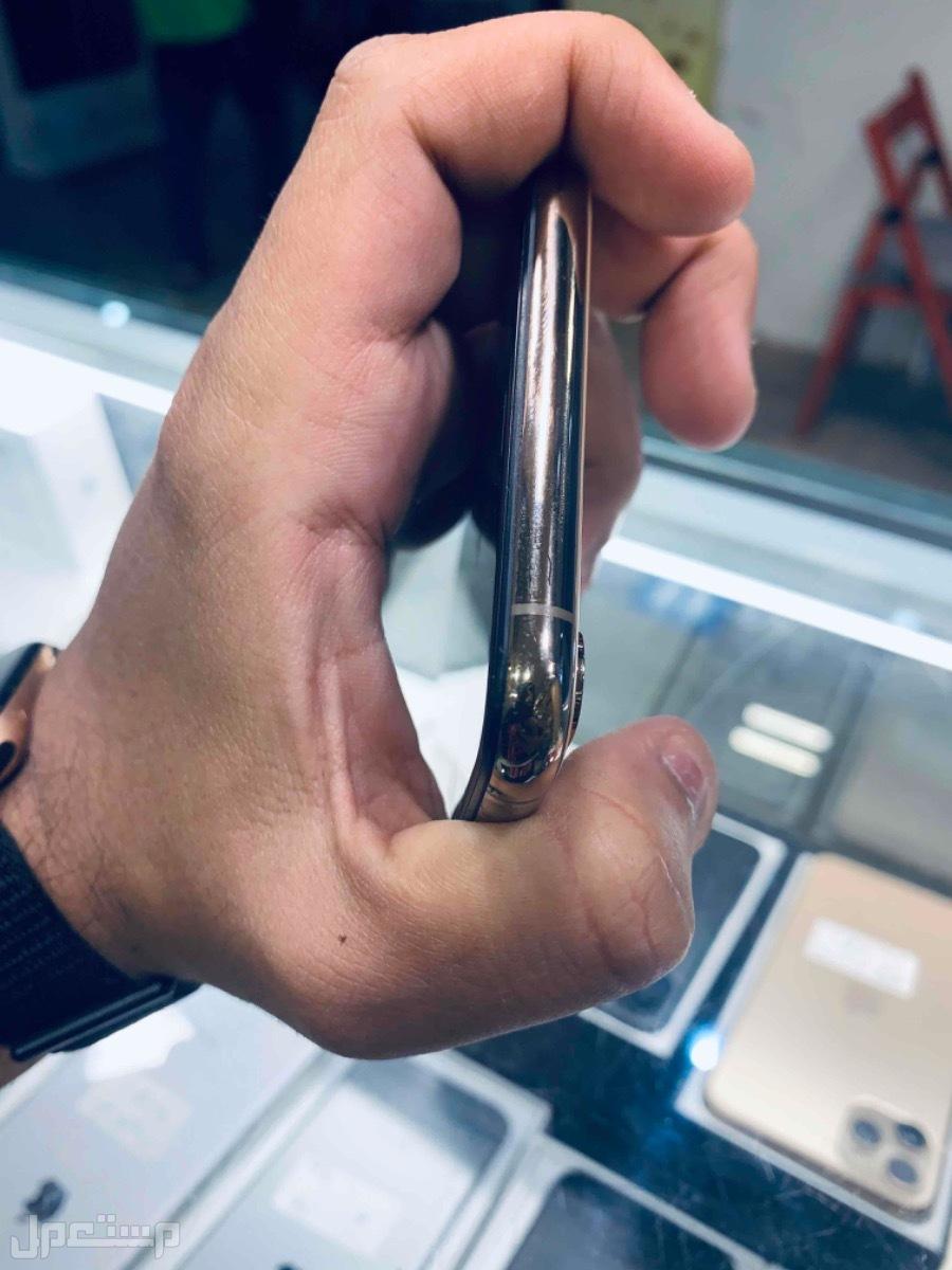 للبيع ايفون اكس اس ماكس 64 ذهبي مستخدم