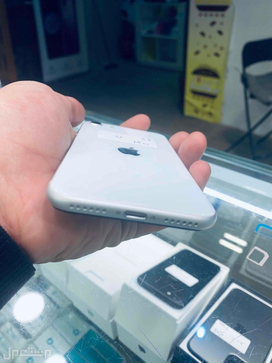 للبيع ايفون se المطور 2020 مستخدم نظيف