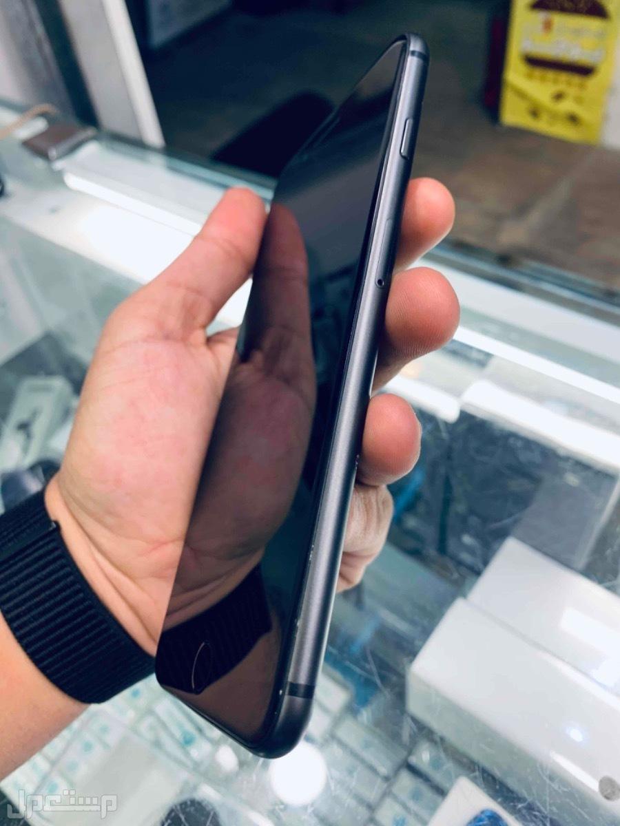 للبيع ايفون 8 بلس اسود 256 مستخدم