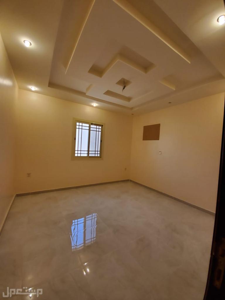 شقة للبيع 3 غرف بسعر مميز وديكور جذاب
