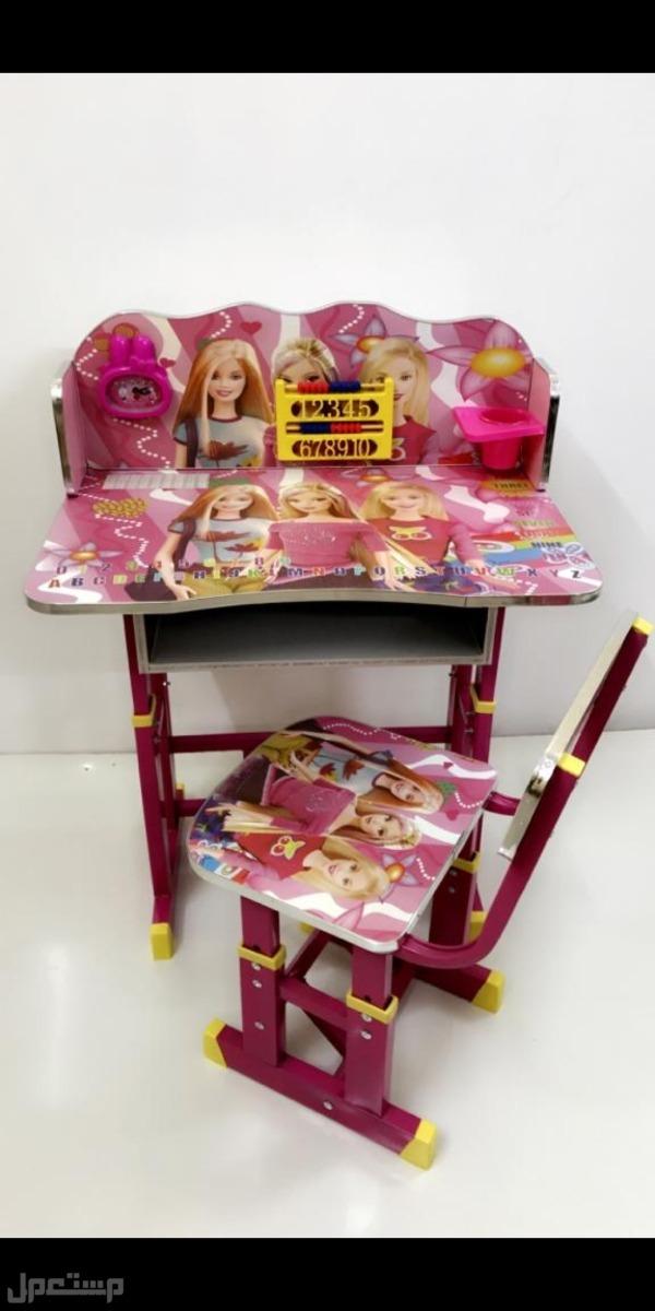 طاولات دراسة للأطفال بأشكال مميزة وشخصيات كرتونية مشهورة