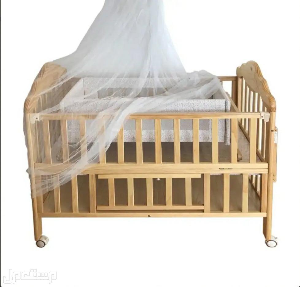 سرير بيبي مميزمع خشب ممتاز
