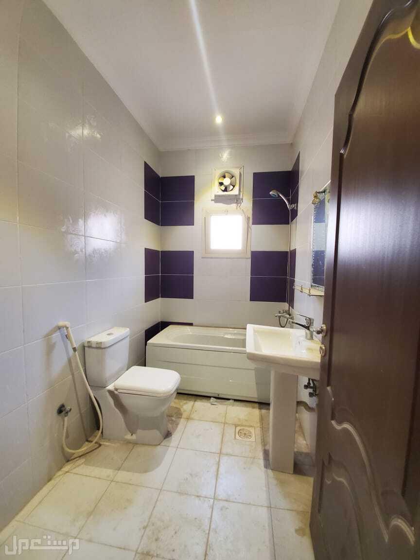 شقة للبيع 4 غرف بسعر مميز وديكور عصري