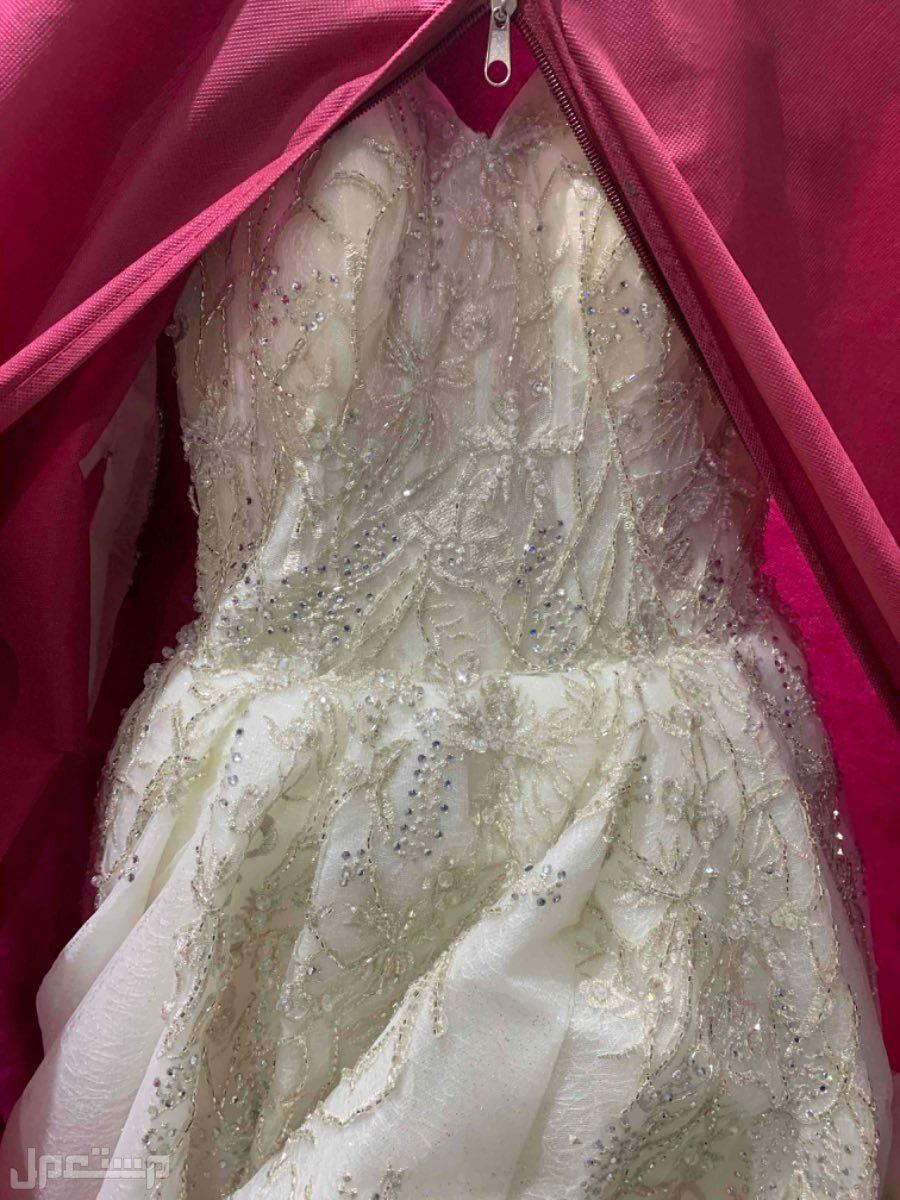 فستان زفاف فخم جدا جدا