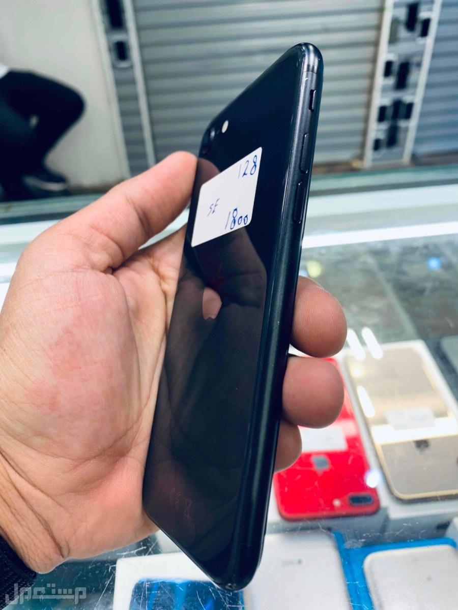 للبيع ايفون اس اي 2020 مستخدم 128