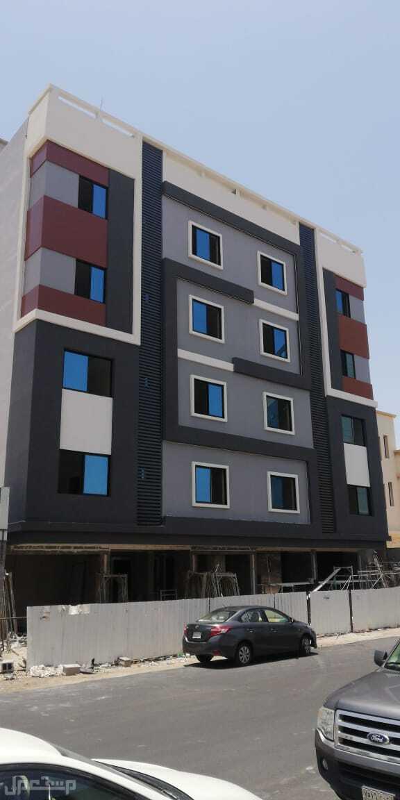 شقة 4 غرف و5 غرف أمام المطار الجديد حي المروة