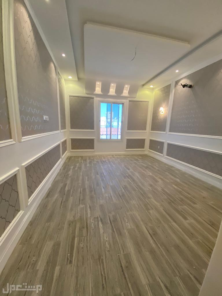 شقة للبيع 8 غرف بسعر مميز وتشطيب VIP حي الصفا