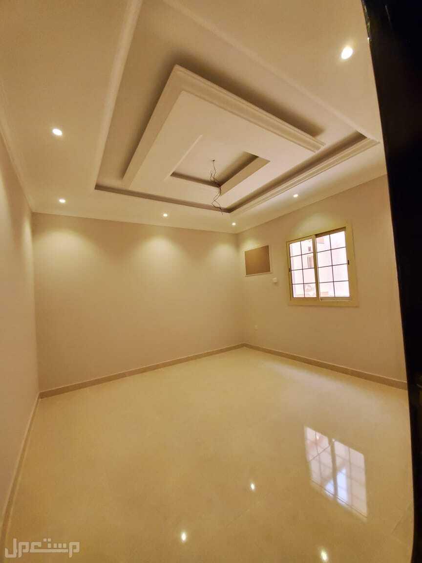 شقة للبيع 6 غرف حي الصفا تشطيب راقي