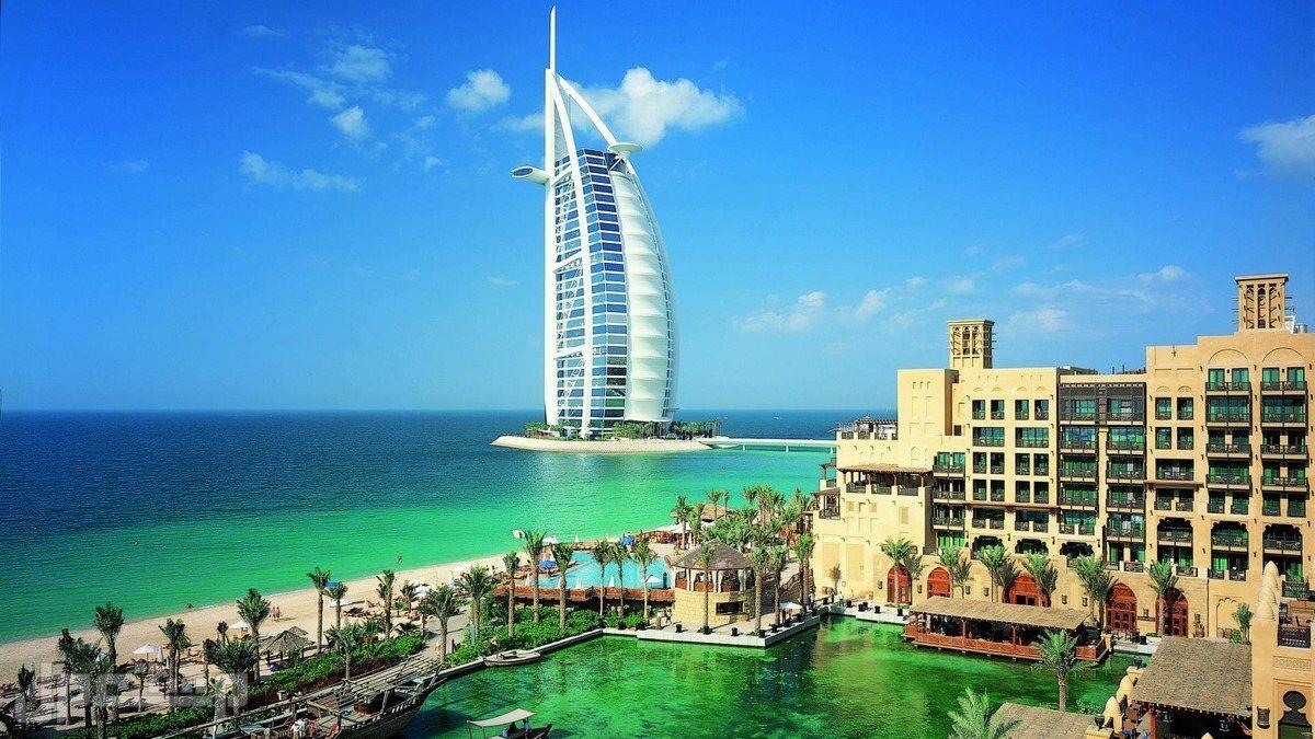برنامج تقارير سياحية لاجمل دول العالم ب 100 ريال