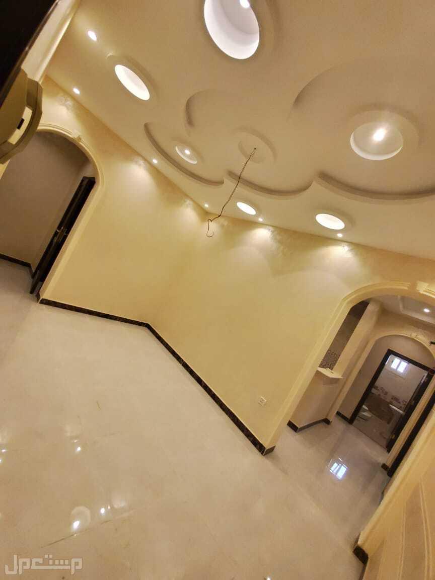 شقة 4 غرف بديكور راقي بحي التيسير