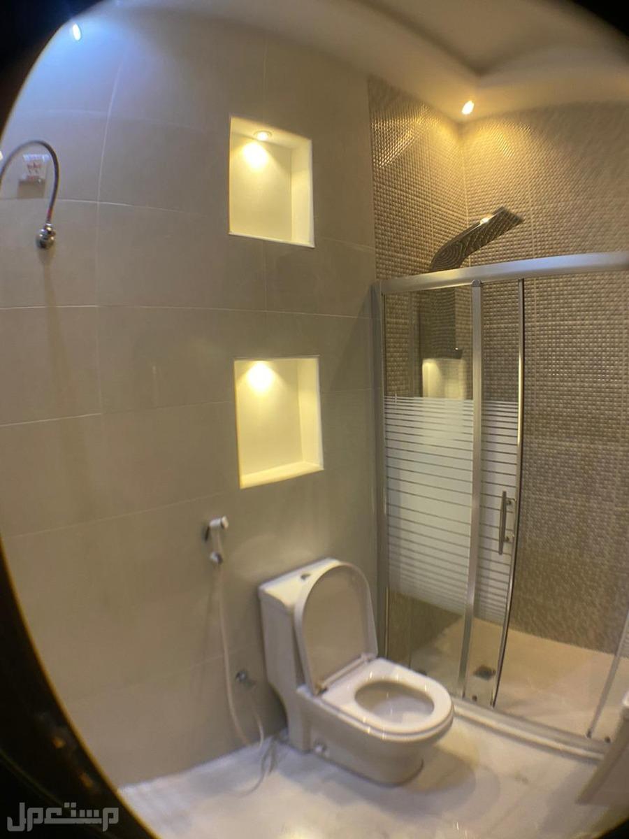 شقة 8 غرف بسعر مميز