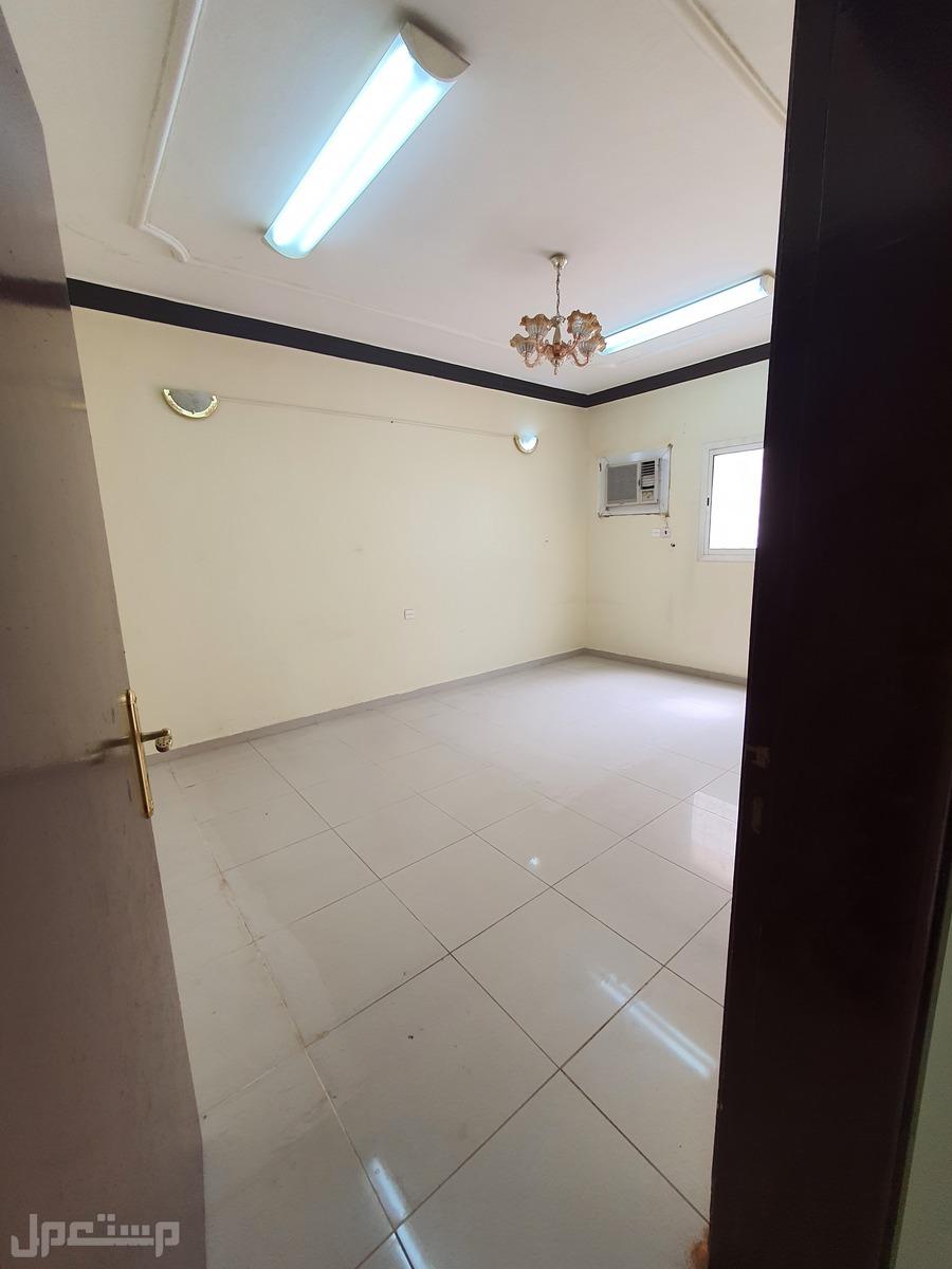 شقة عوائل شارع ابي العتاهية امام مدارس ريما حي المنار