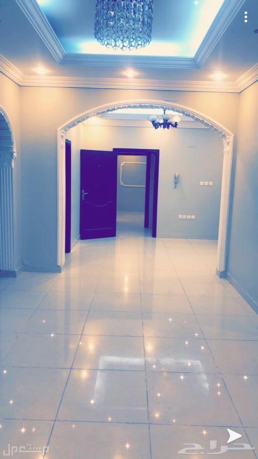 شقة 5 غرف فاخرة بسعر مغري من المالك مباشرة